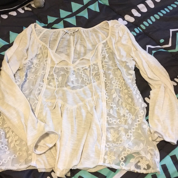 American Eagle Outfitters Tops - Lace top